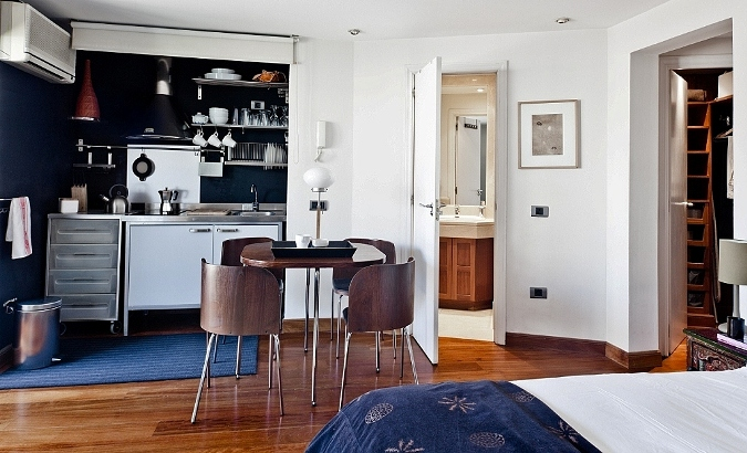 Stylish Madrid Penthouse Apartment for Short Stays